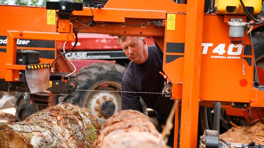 Paul Grainger operates Wood-Mizer LT40 sawmill