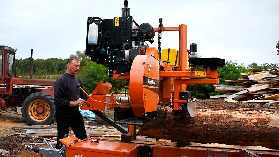 Wood-Mizer LT40 sawmill cuts a log