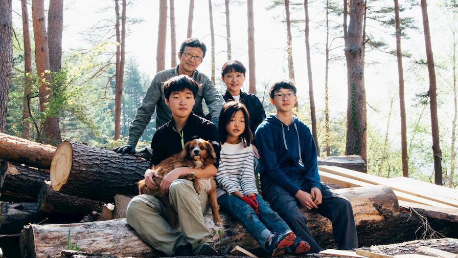Tak Yoshino and family